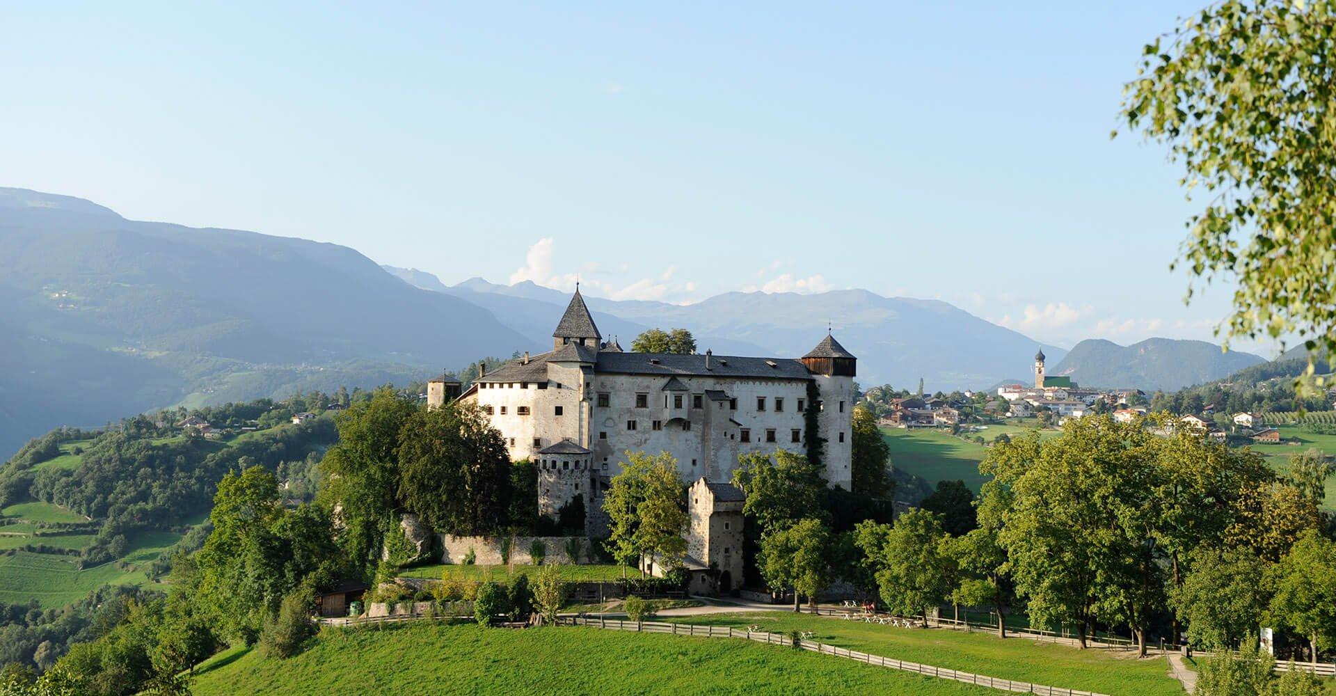 Ferienwohnungen auf dem Schlosshof in Völs am Schlern