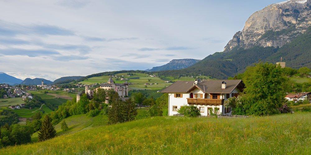 Schlosshof –Urlaub vor fantastischer Bergkulisse